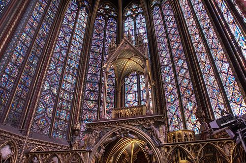 800px-Paris-SainteChapelle-Interieur