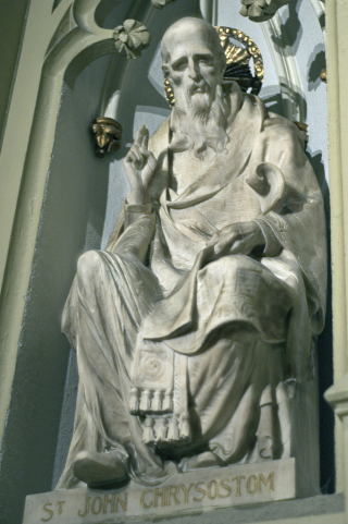 https://commons.wikimedia.org/wiki/File:St.Patrick%27s_Cathedral_NYC2.jpg