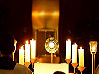 Eucharistic_Adoration