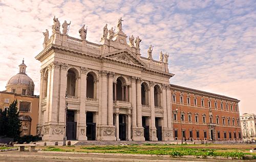 Basilica_di_san_giovanni_e_palazzo