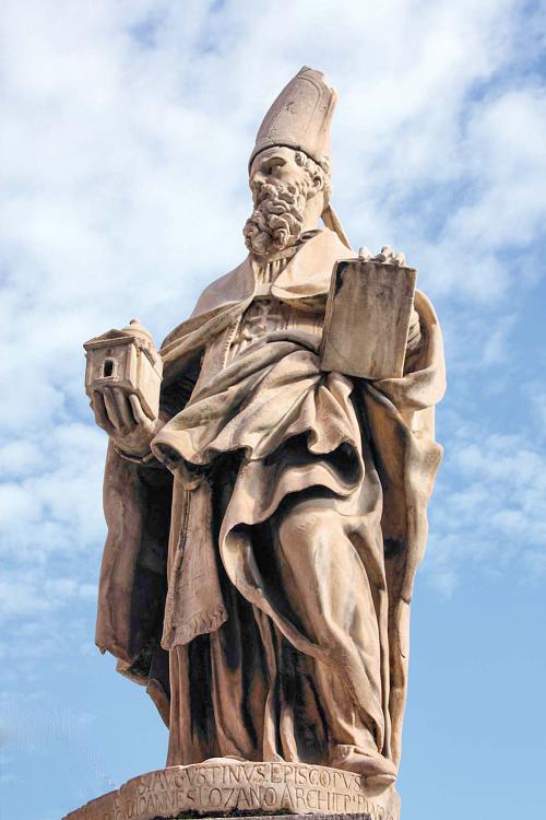 Statue-Saint-Augustine-of-Canterbury